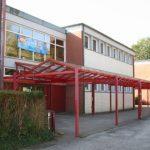 Hort auf dem Schulgelände: Im Hort gibt es Mittagessen und hier findet die Nachmittags-Betreuung statt.