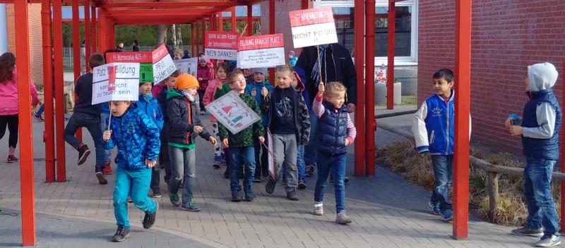 Demo_Schulkinder_gegen_Abvermietung